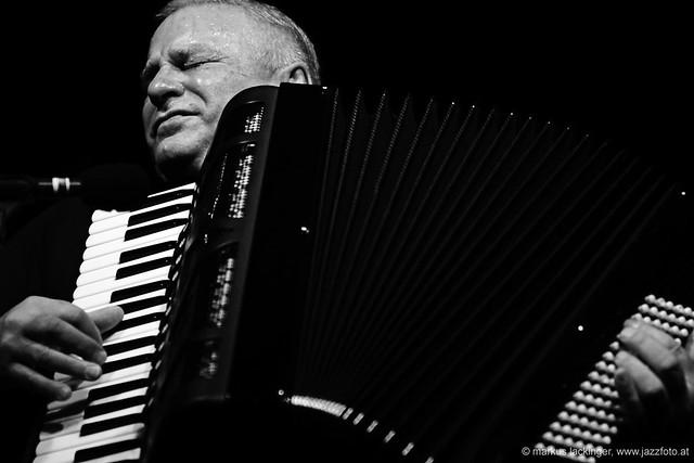 Klaus Paier: bandoneon, accordion