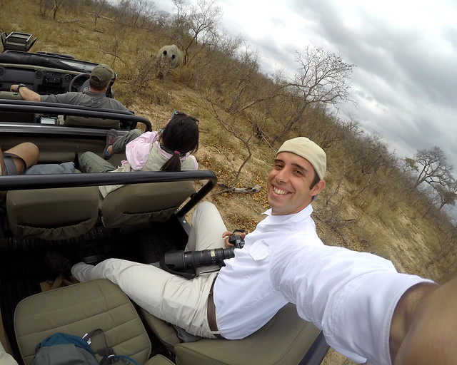 En coche durante un safari por África