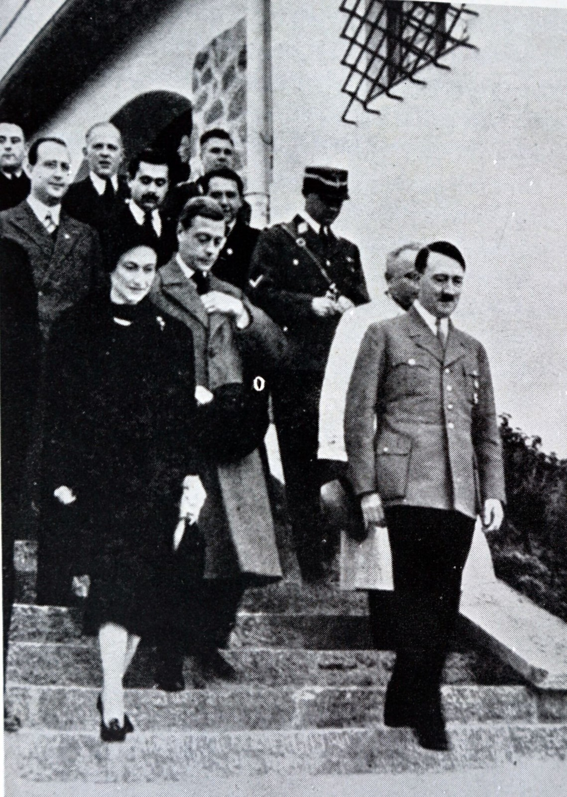 Герцог и герцогиня Виндзорские посещают канцлера Германии Адольфа Гитлера в его доме в Берхтесгадене в Баварских Альпах