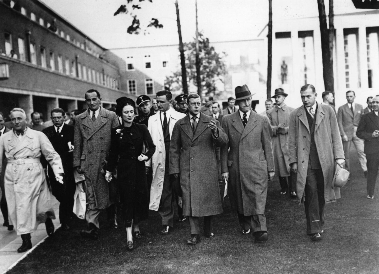 13 октября. Герцог и герцогиня Виндзорские путешествуют по Германии