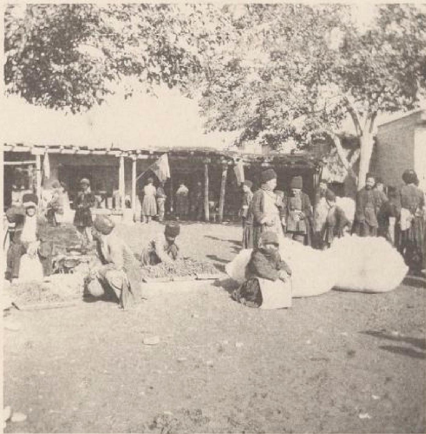 15.  Нахичивань. На рынке, 2-3 ноября 1897