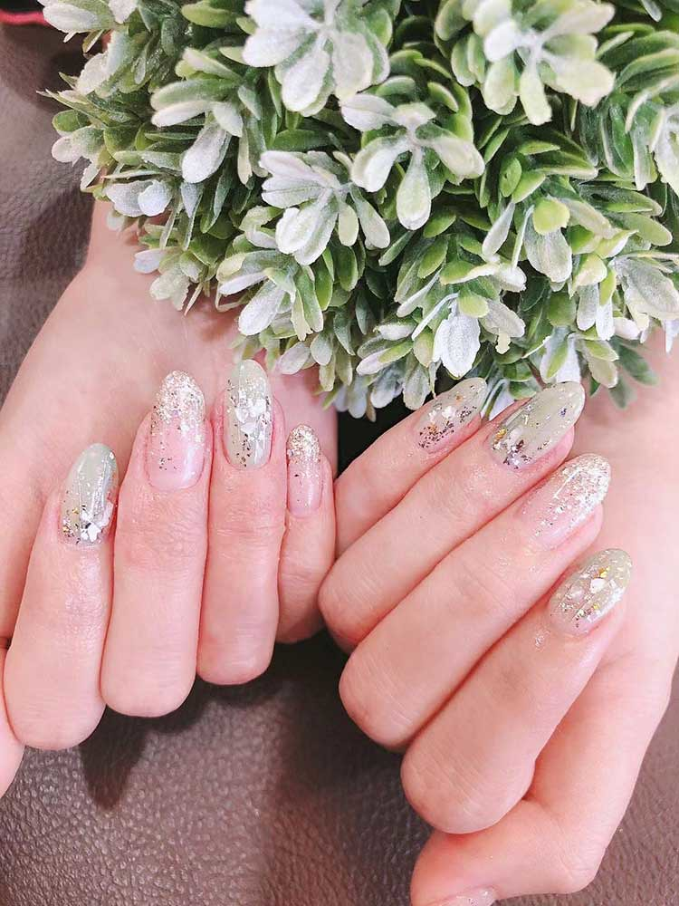 7 Nail Designs to try in 2020- Minimalistic