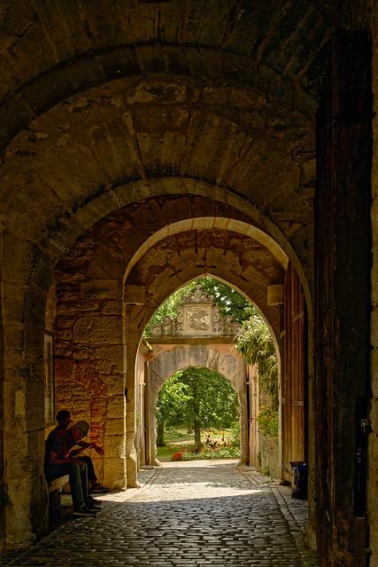 Hinaus zum Burggarten