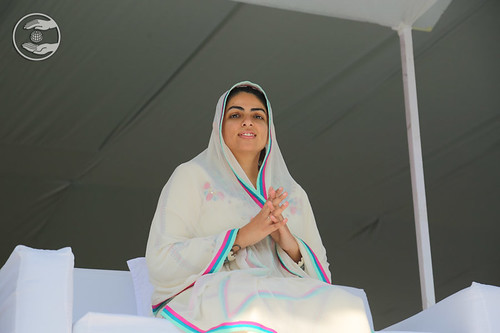 Her Holiness blessing the devotees