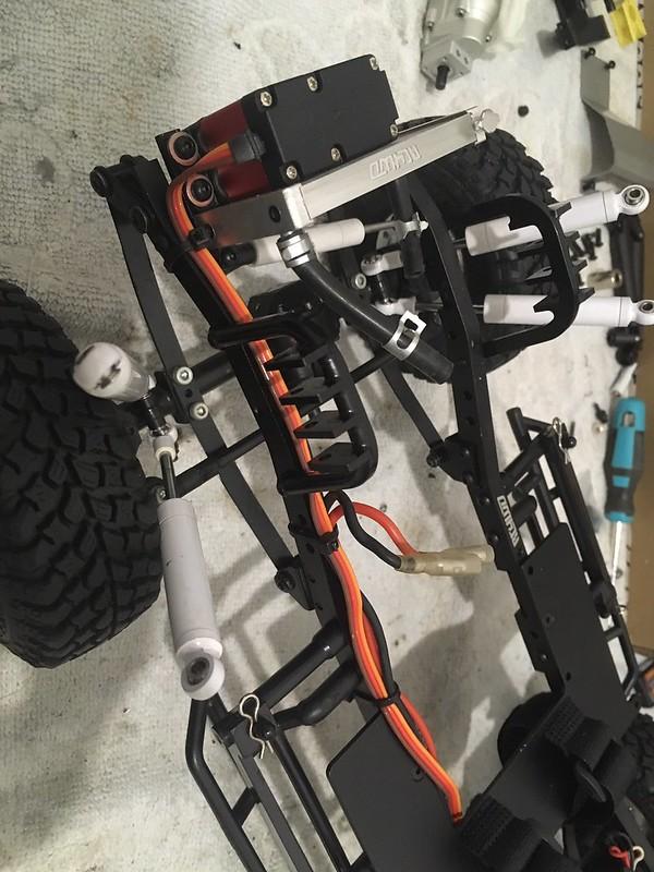 RC4WD trailfinder2 Blazer V8 49383334558_85aa819b54_c