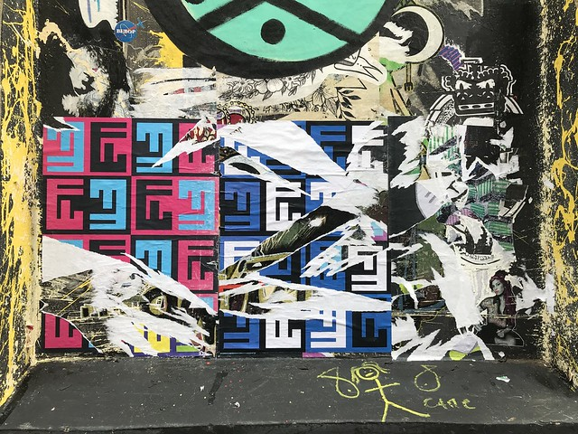 Qwert, Neon Savage v Qwert