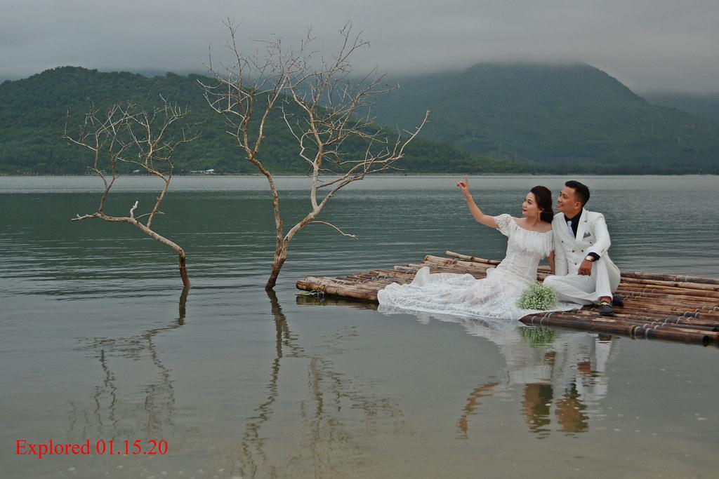 A Vietnamese couple's pre-wedding photo shoot