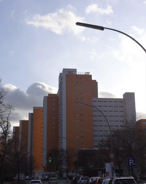1968/75 Berlin-W. Hochhausscheibe 17Et. Lindenstraße 112-116 von Senatsbaudirektor Werner Düttmann Wohnanlage Mehringplatz in 10969 Kreuzberg