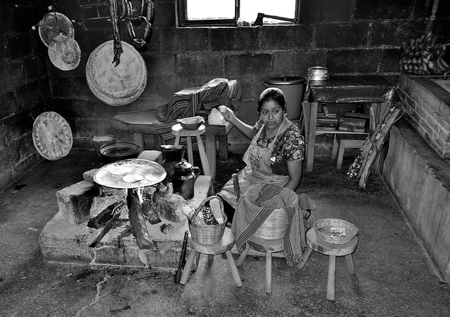 MEXICO, Maya-Traditionelles in Zinacantán, kitchen, 19442/12266