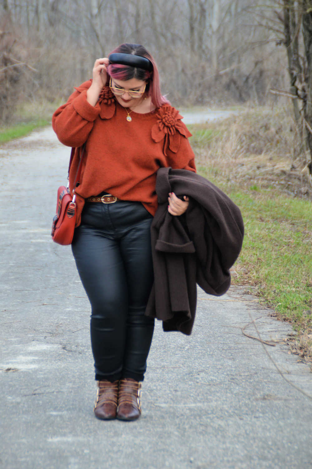 outfit curvy plus size nero e marrone (22)