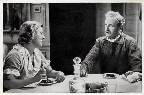 Maria Paudler and Harry Liedtke in Wenn am Sonntagabend die Dorfmusik spielt (1933)