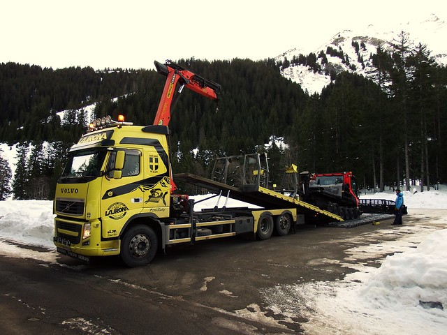 Volvo FH12 6x2 Transports Laurona Megève (74 Haute-Savoie) 09-01-20a