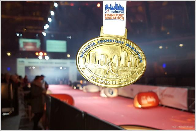 2017-10-29 Medaille Mainova Frankfurt Marathon - 1