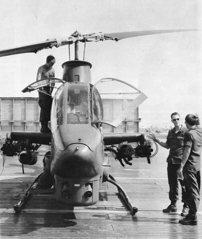 retrowar: AH-1G Cobra