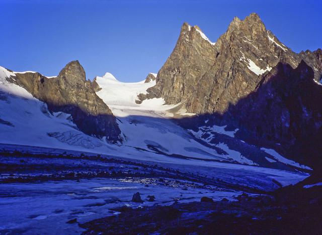 La Haute Route des Alpes (août 1994): matin sur l'Haut Glacier d'Arolla