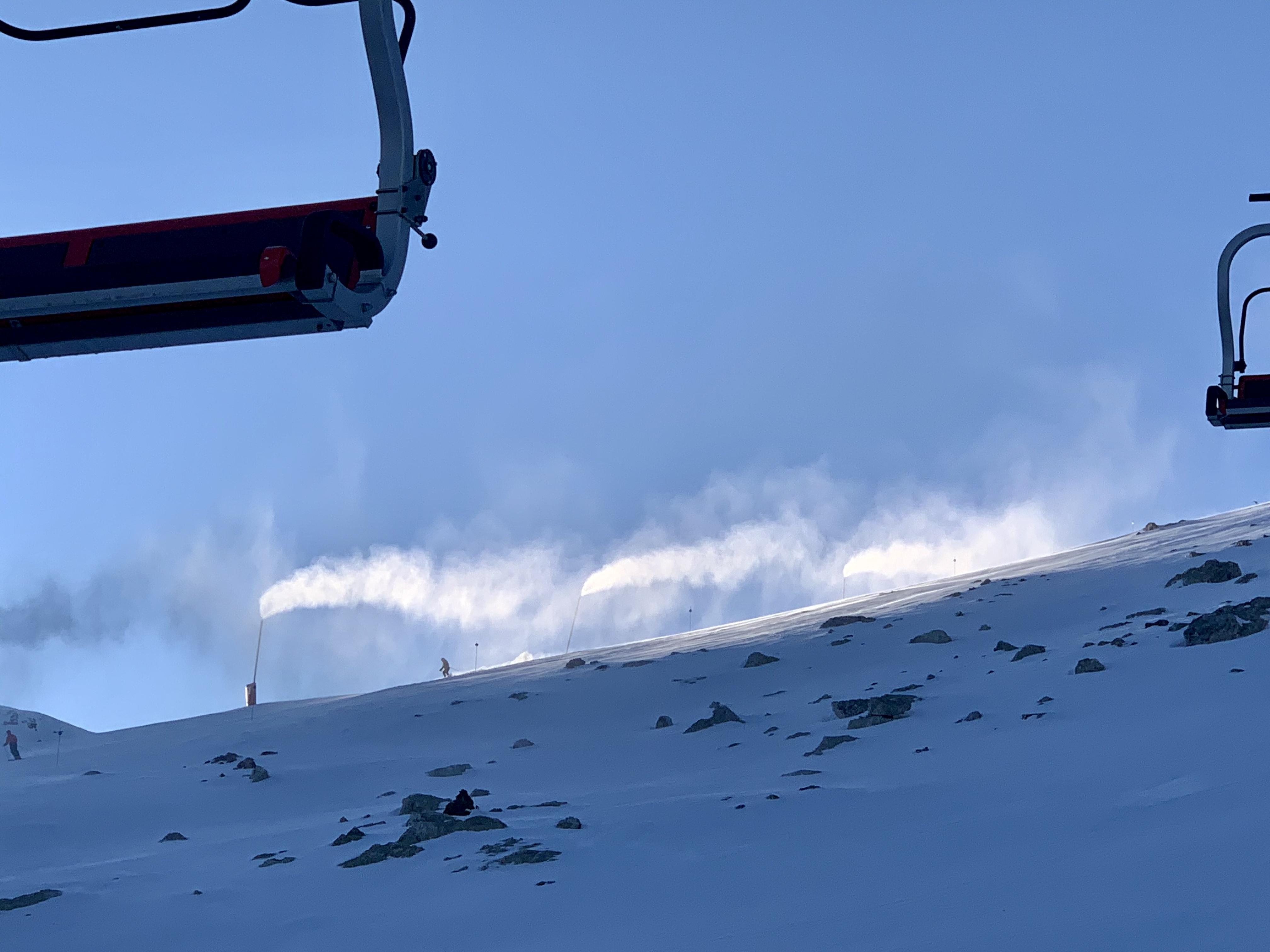 cañones de nieve