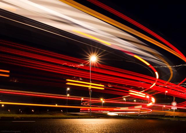 Catching #QBuzz Lights [2] (📷13-01-2020) at the Busstation Kardinge #NightPhotographyByColors by DillenvanderMolen #MrOfColorsPhotography