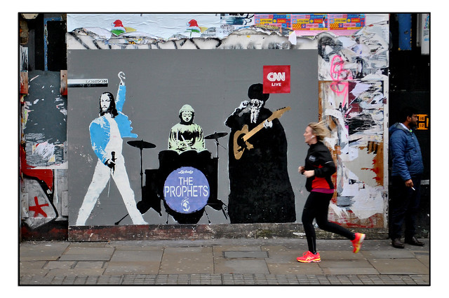 LONDON STREET ART by LORETTO