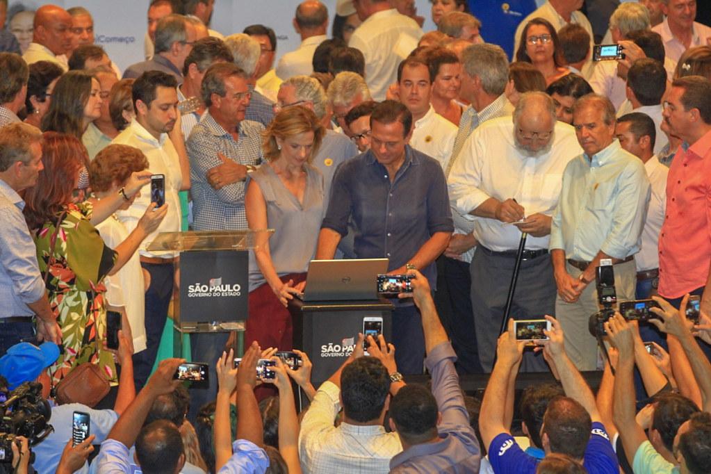 Assinatura da transferência Fundo a Fundo para os municípios das regiões Macro II