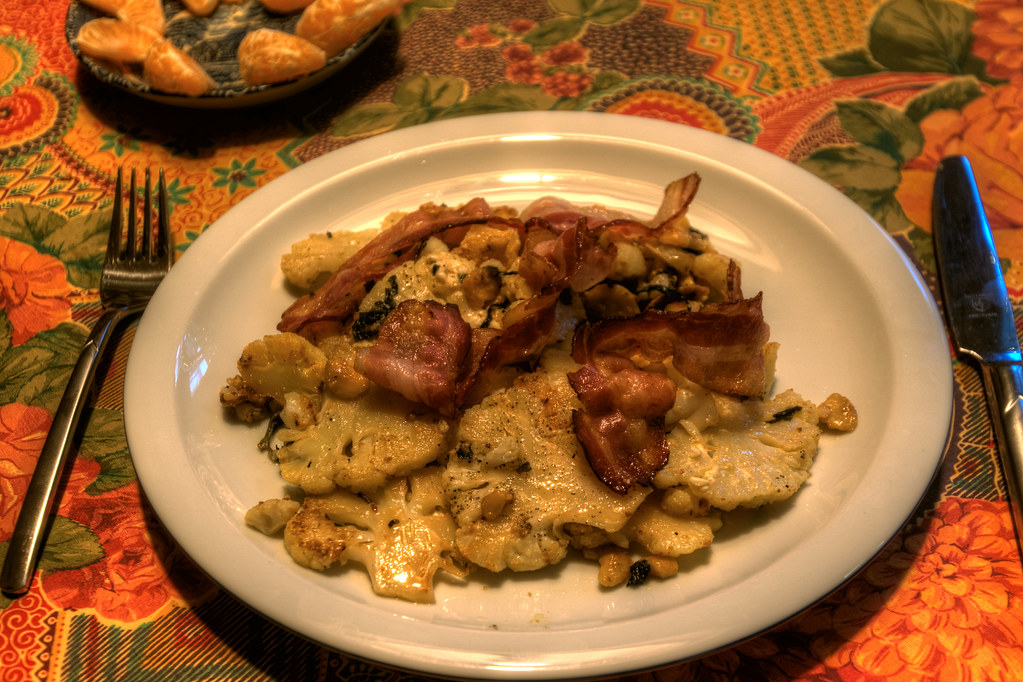 Cauliflower / cashew / Bacon
