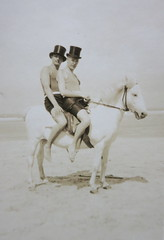 IN LOVE ON A WHITE HORSE - DESIRE AND STYLE * Photo impressions of the 1920s *