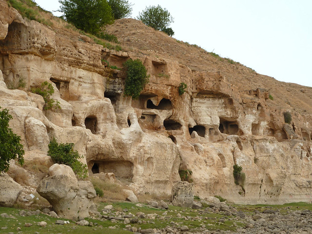 Cave dwellings at the Tigris river in Hasankeyf