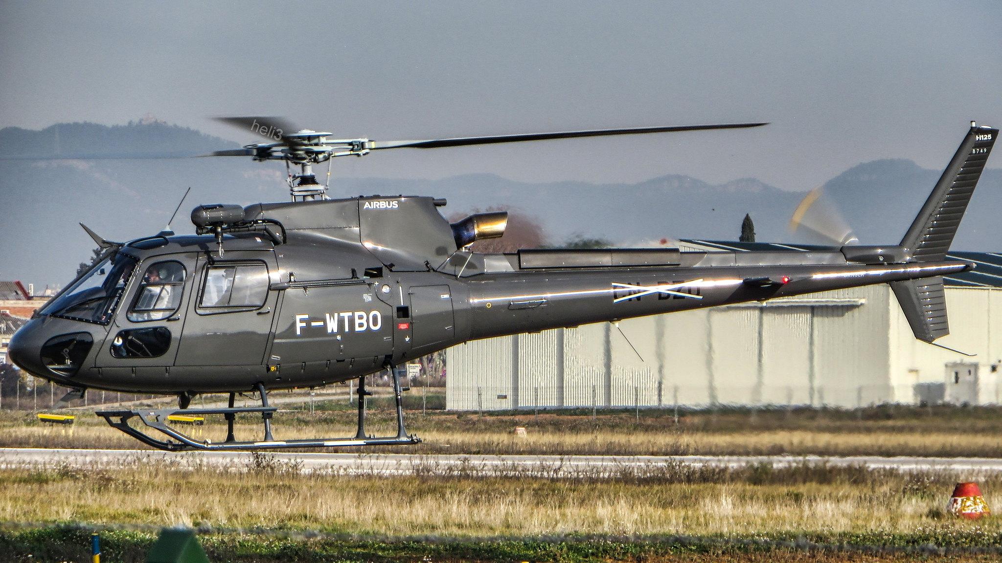 Airbus H125 Ecureuil 49391181661_50f534bec9_k
