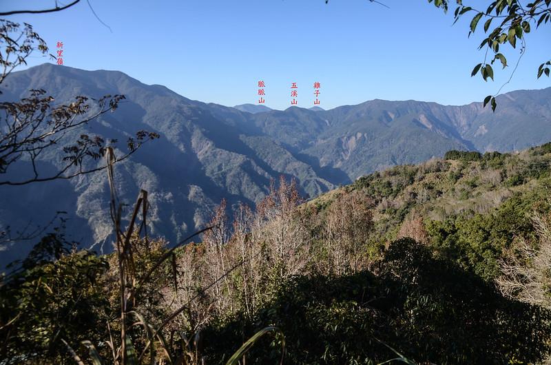 鐵本山步道H 1709m處北眺群山 (1)-1