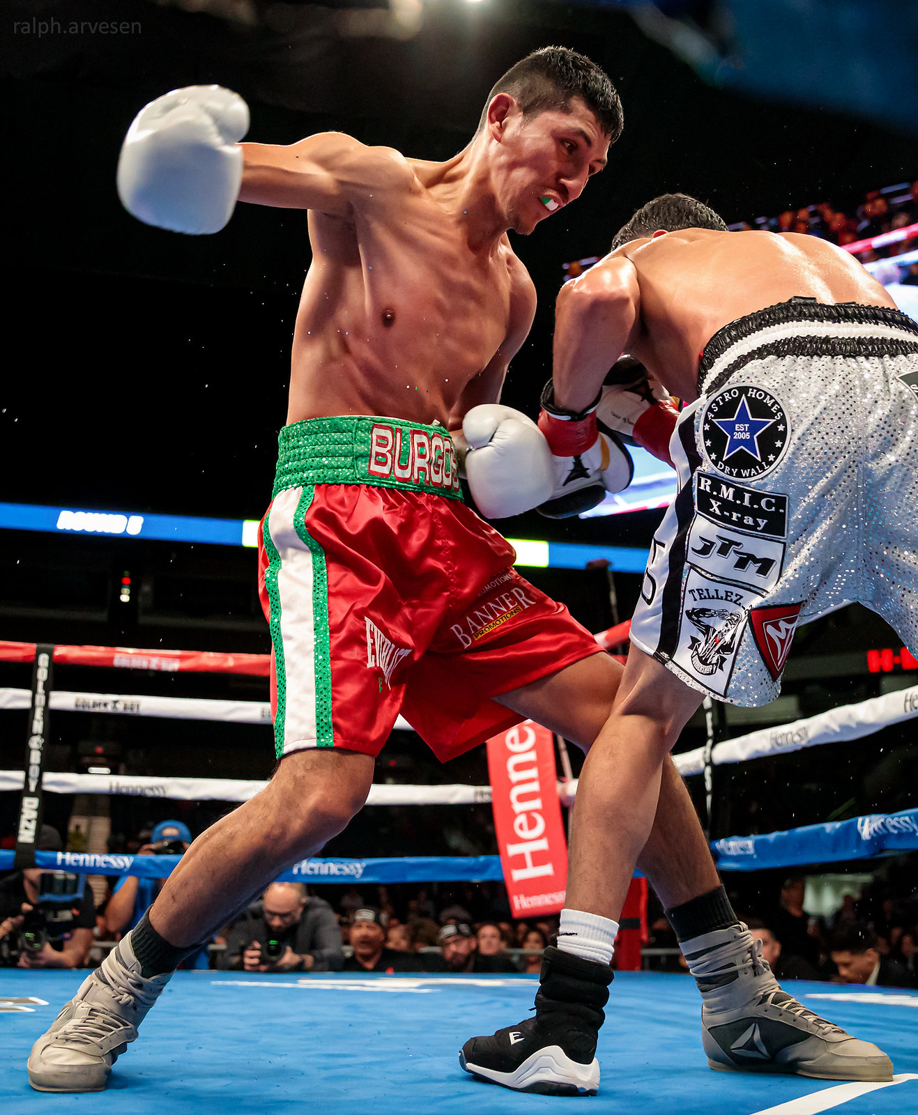 Boxing | Texas Review | Ralph Arvesen