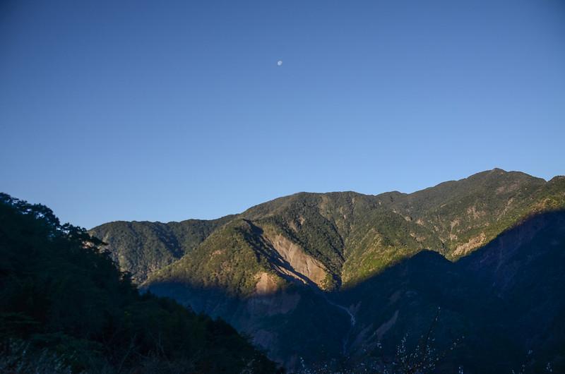 鐵本山產道西眺群山(H 1187m) (6)