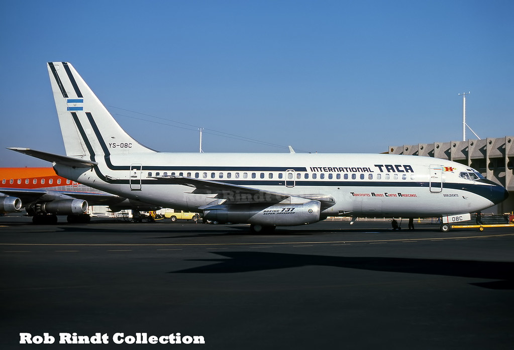 TACA International B737-2A1/Advanced YS-08C