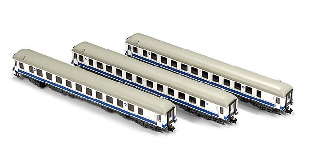 MFTrain N71008. Set 3 coches Largo Recorrido 16.200 RENFE