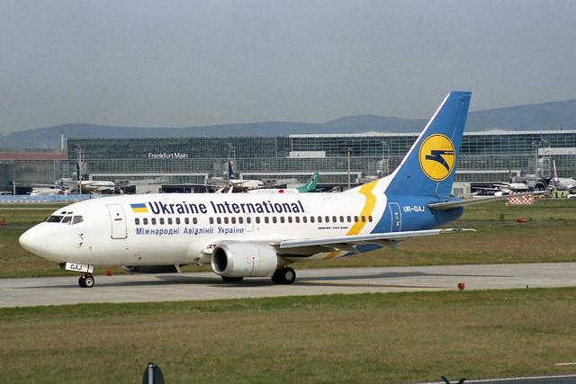 Ukraine International Airlines - UIA Boeing 737-5Y0 UR-GAJ