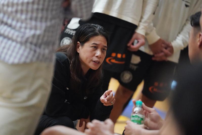 義守大學總教練謝玉娟。(大專體總提供)