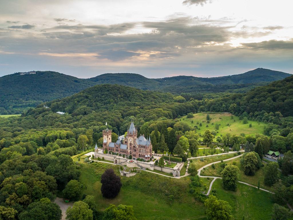 Schloss Drachenburg im Naturpark Siebengebirge © Tourismus NRW e.V.  (1)