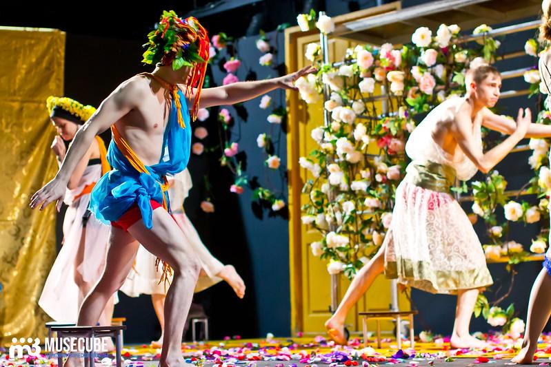 Kaligula_Koljada-Teatr-Teatralnyj_centr_na_Strastnom_038