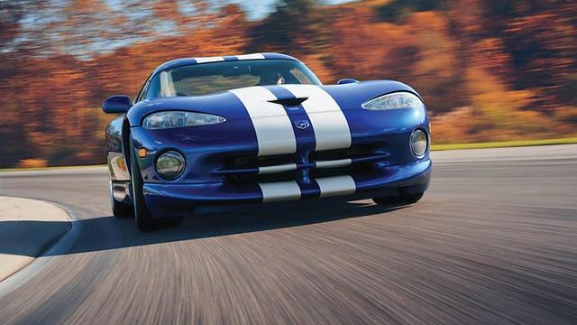 BULL_Dodge-Viper-GTS1