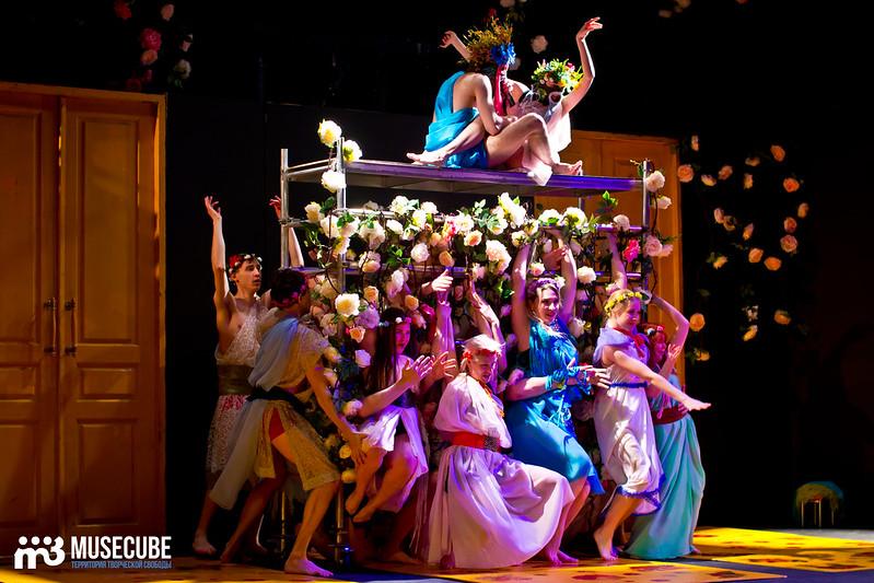 Kaligula_Koljada-Teatr-Teatralnyj_centr_na_Strastnom_008