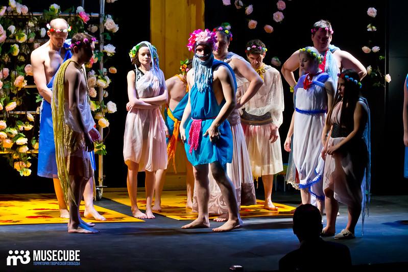 Kaligula_Koljada-Teatr-Teatralnyj_centr_na_Strastnom_001