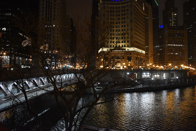 Michigan Ave/Wacker Drive - Chicago before Sunrise