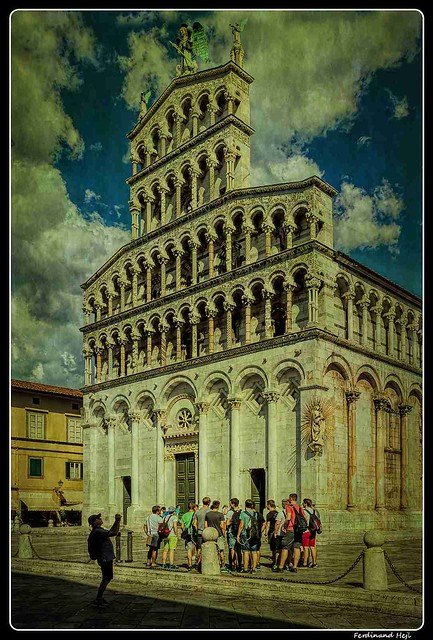 Lucca_Chiesa di San Michel_e in Foro_Piazza San Michele_Tuscany_Italia
