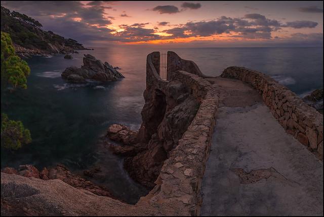 SEA GATE .