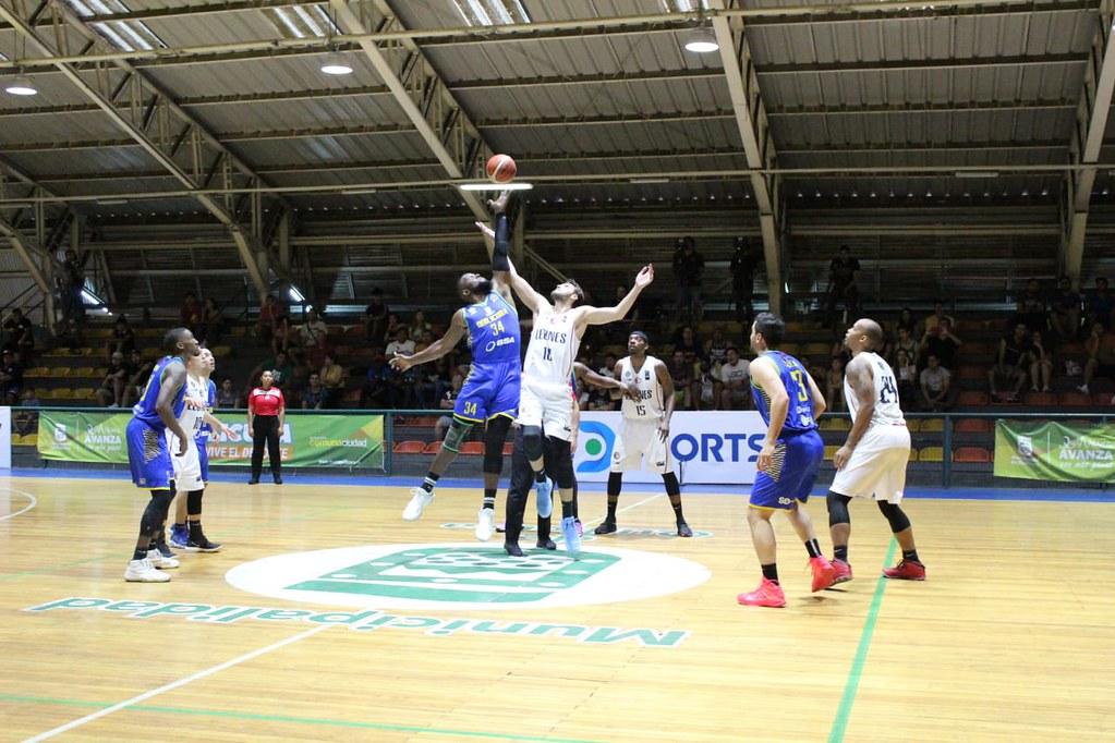 FZ / Conferencia Centro: Quilicura Basket v/s Los Leones (15/01/2020)