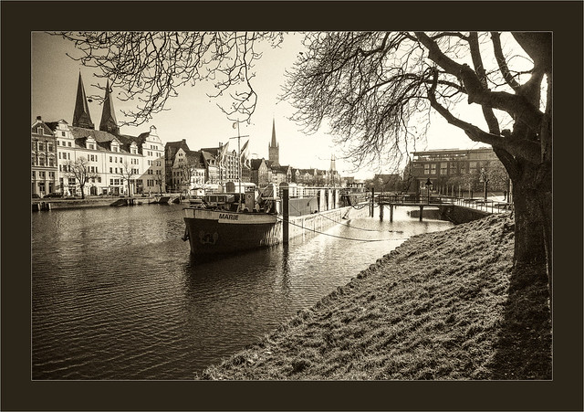 vintage Lübeck,  Leica M Monochrom 246, Zeiss C-Biogon 21mm/4.5, red filter