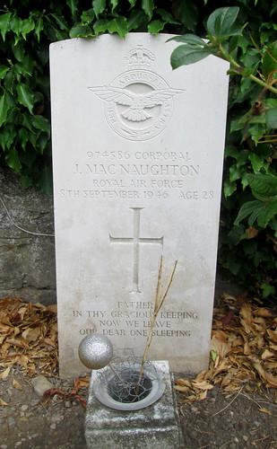 Newburgh War Grave