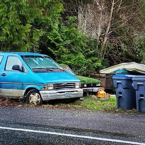 aberdeenwashington graysharborcounty fordaerostar vw volkswagen jetta reclaimedbytheearth