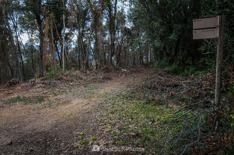 Sendero a Sant Joan les Fonts y Begudà en Cal Cairat