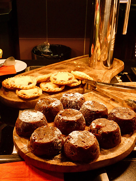 christmas puddings and mince pies