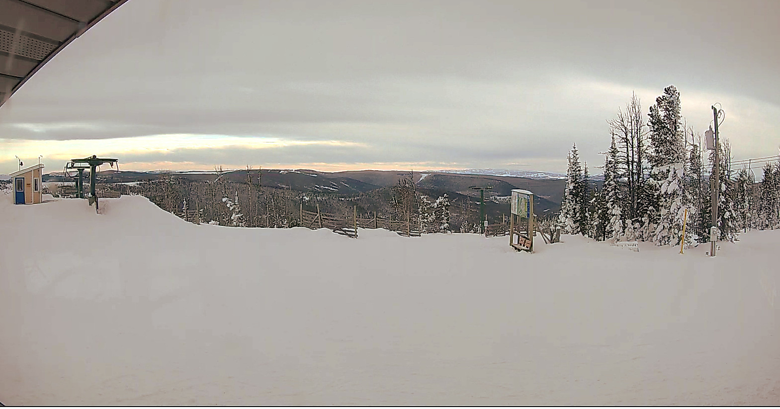 Webcam located at the summit of Porphyry Peak at Showdown Montana from the Top Rock building.