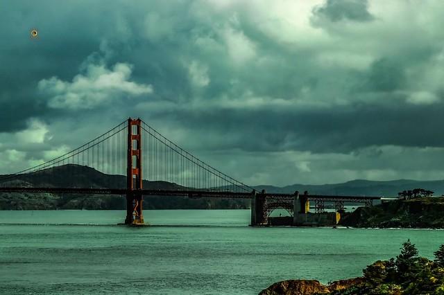 Rain clouds over the #goldengatebridge in @visitsf @visitcalifornia last year . . .  #teamcanon #smugmug #nature #landscape #seascapes #highwayone #california #travel #sf #sanfrancisco #ocean #oceanphotography #naturephotography #landscapephotography